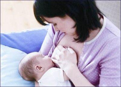 新生儿一天吃多少奶?新生儿喂奶次数