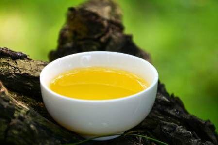 产后坐月子可以吃茶油吗?孕妇吃有什么好处坏处?