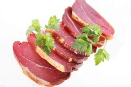 产后坐月子不宜多吃腊肉、腊鱼!